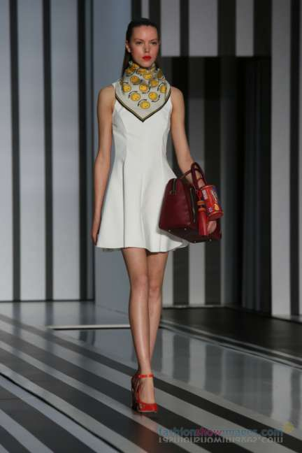 anya-hindmarch-london-fashion-week-autumn-winter-2014-00040