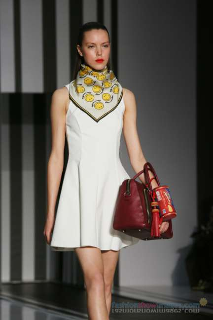 anya-hindmarch-london-fashion-week-autumn-winter-2014-00041