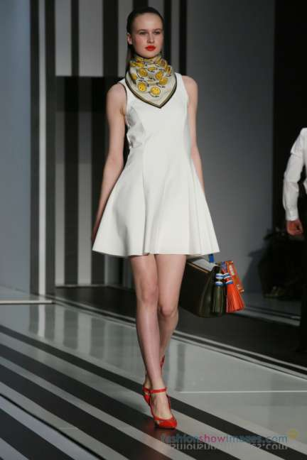 anya-hindmarch-london-fashion-week-autumn-winter-2014-00047