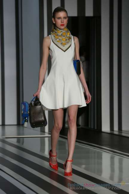 anya-hindmarch-london-fashion-week-autumn-winter-2014-00051
