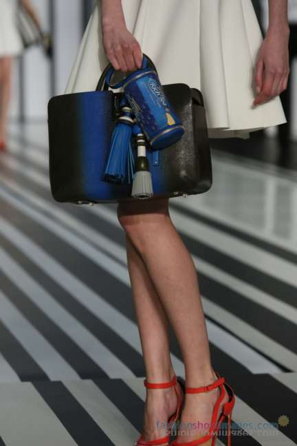 anya-hindmarch-london-fashion-week-autumn-winter-2014-00053