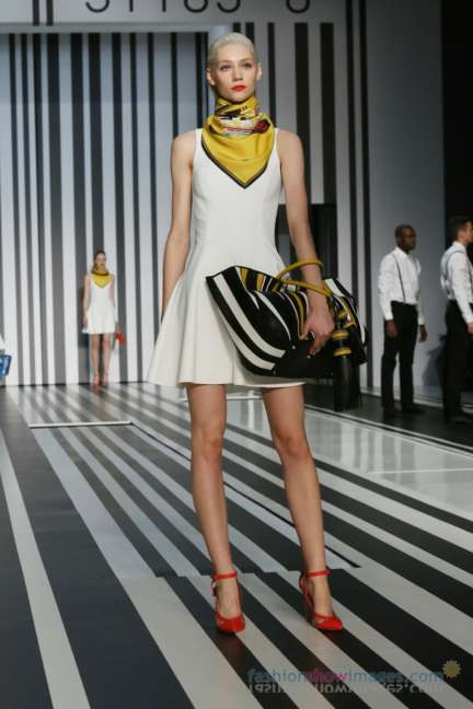 anya-hindmarch-london-fashion-week-autumn-winter-2014-00057