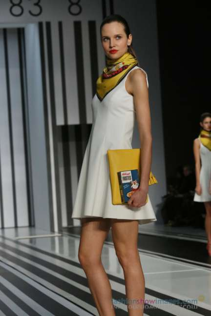 anya-hindmarch-london-fashion-week-autumn-winter-2014-00069