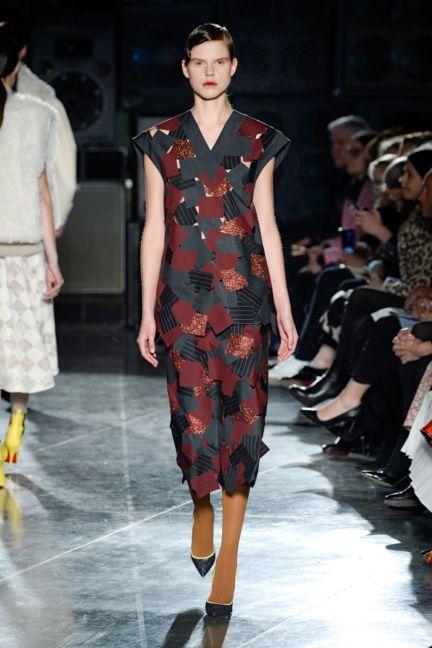 jonathan-saunders-london-fashion-week-2014-00024