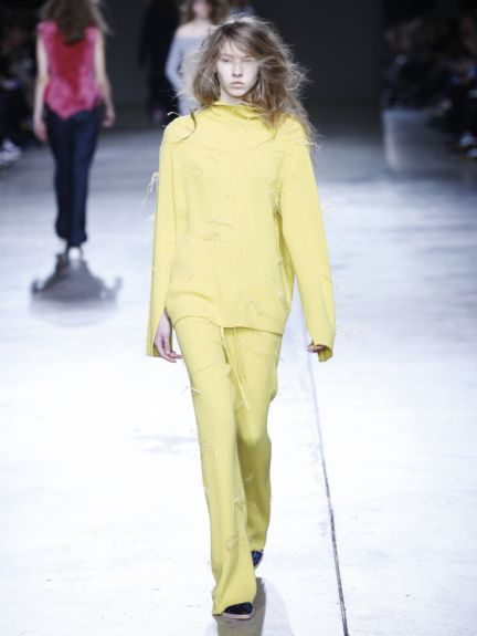 marques-almeida-london-fashion-week-2014-00011