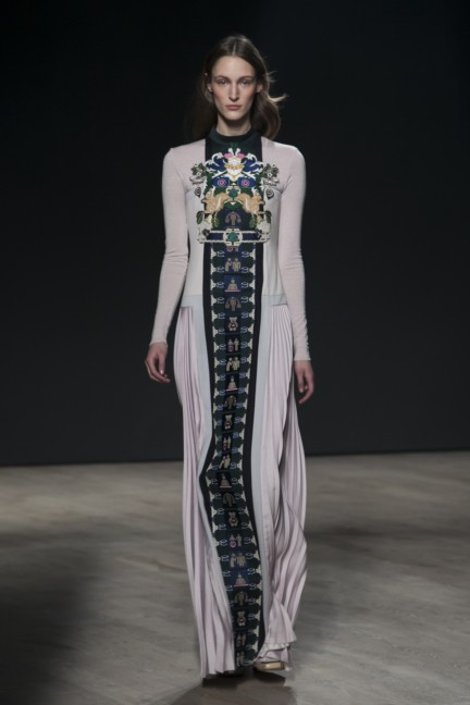 mary-katrantzou-london-fashion-week-autumn-winter-2014-00012