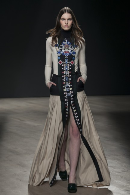 mary-katrantzou-london-fashion-week-autumn-winter-2014-00015