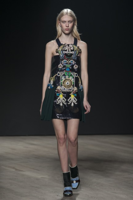 mary-katrantzou-london-fashion-week-autumn-winter-2014-00017