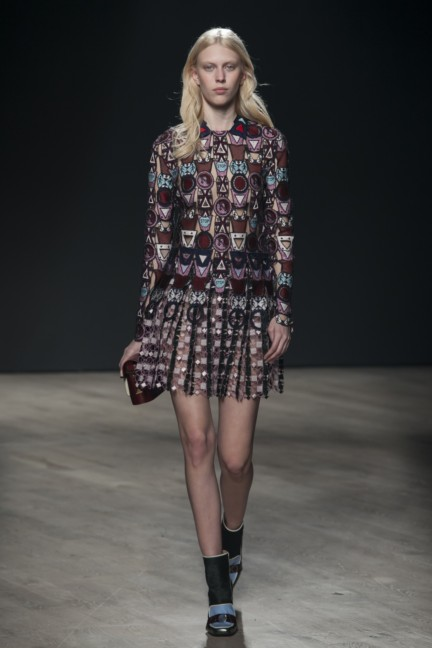 mary-katrantzou-london-fashion-week-autumn-winter-2014-00022