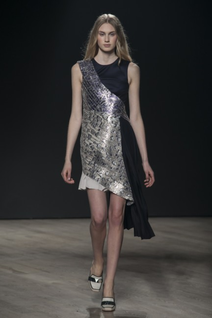 mary-katrantzou-london-fashion-week-autumn-winter-2014-00024