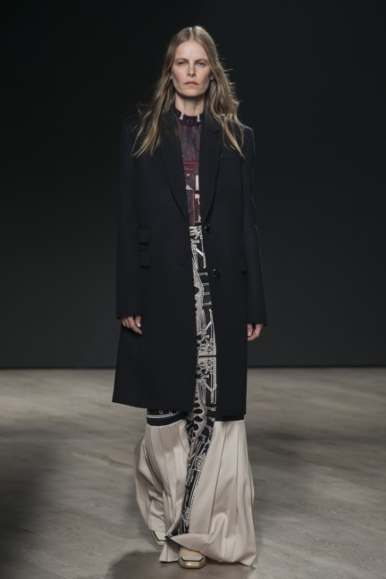 mary-katrantzou-london-fashion-week-autumn-winter-2014-00026