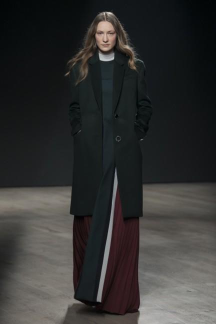 mary-katrantzou-london-fashion-week-autumn-winter-2014-00032