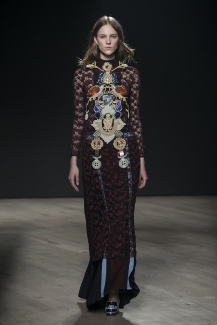 mary-katrantzou-london-fashion-week-autumn-winter-2014-00033