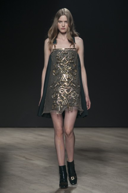 mary-katrantzou-london-fashion-week-autumn-winter-2014-00034