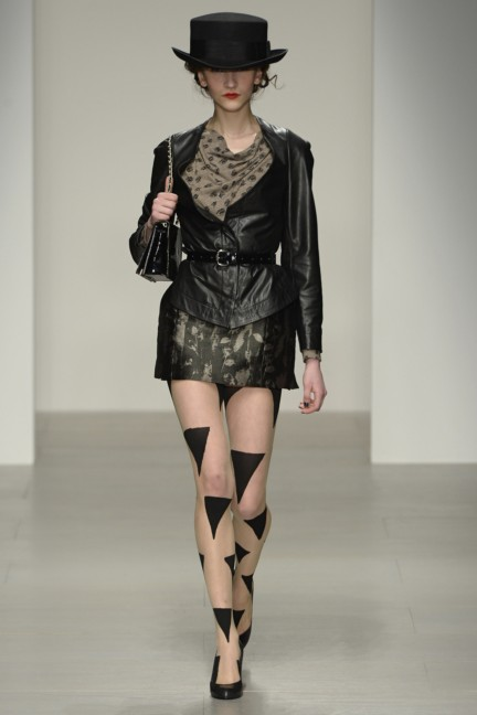 vivienne-westwood-red-label-london-fashion-week-autumn-winter-2014-00014