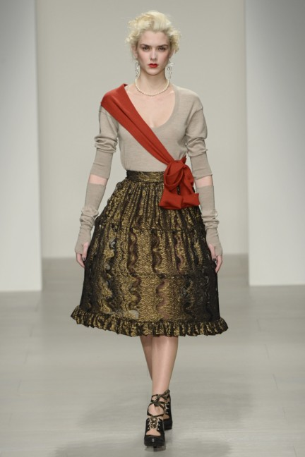 vivienne-westwood-red-label-london-fashion-week-autumn-winter-2014-00017