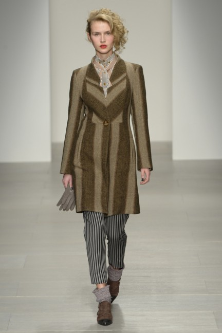 vivienne-westwood-red-label-london-fashion-week-autumn-winter-2014-00019