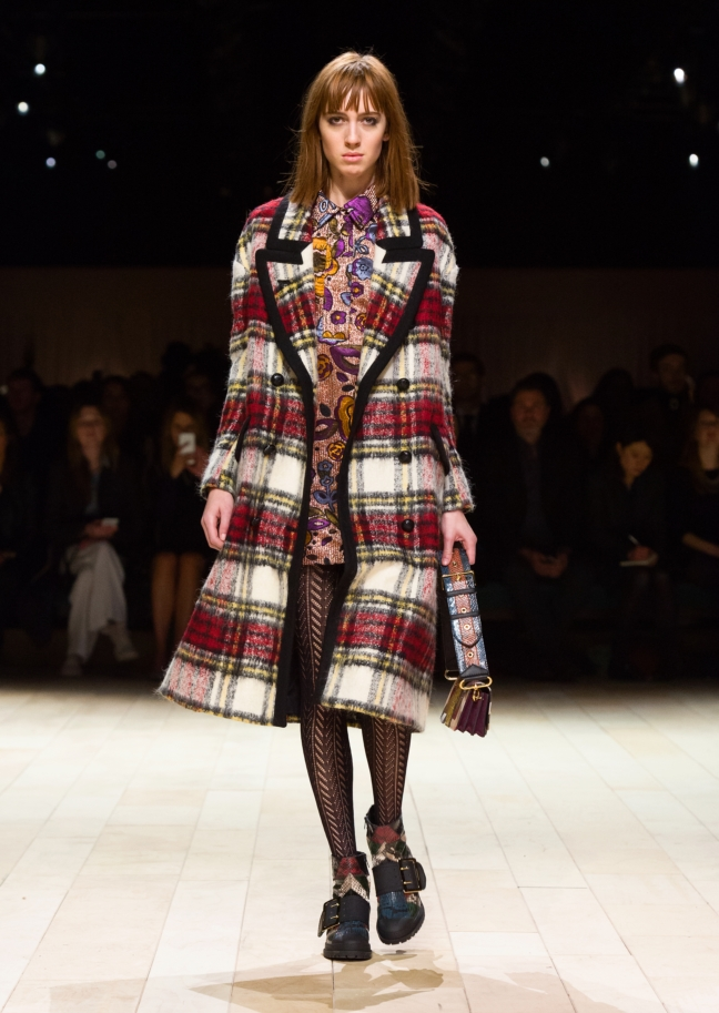 burberry-womenswear-february-2016-collection-look-20