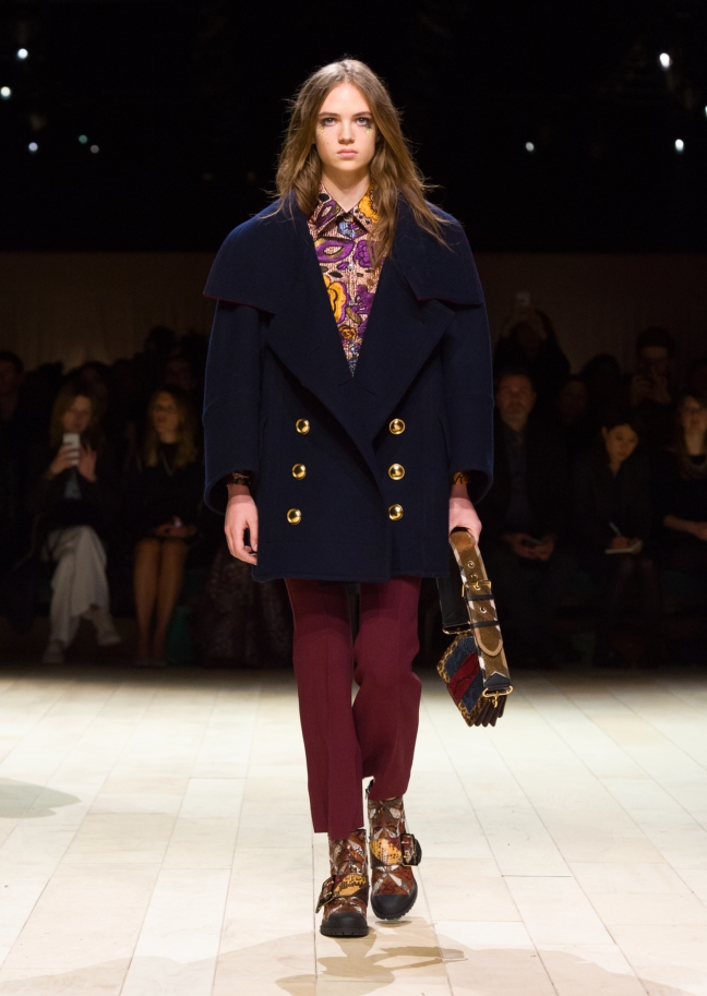 burberry-womenswear-february-2016-collection-look-22