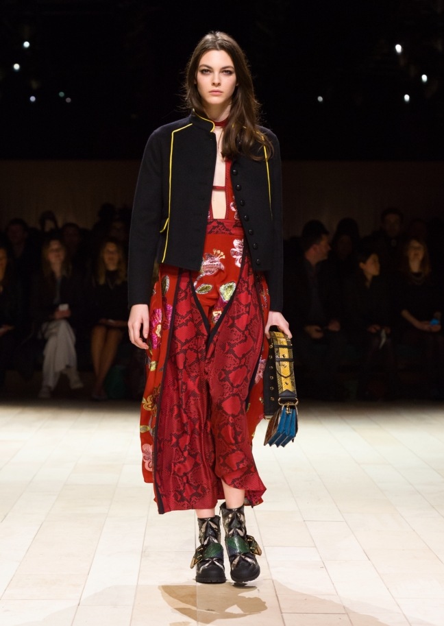 burberry-womenswear-february-2016-collection-look-34