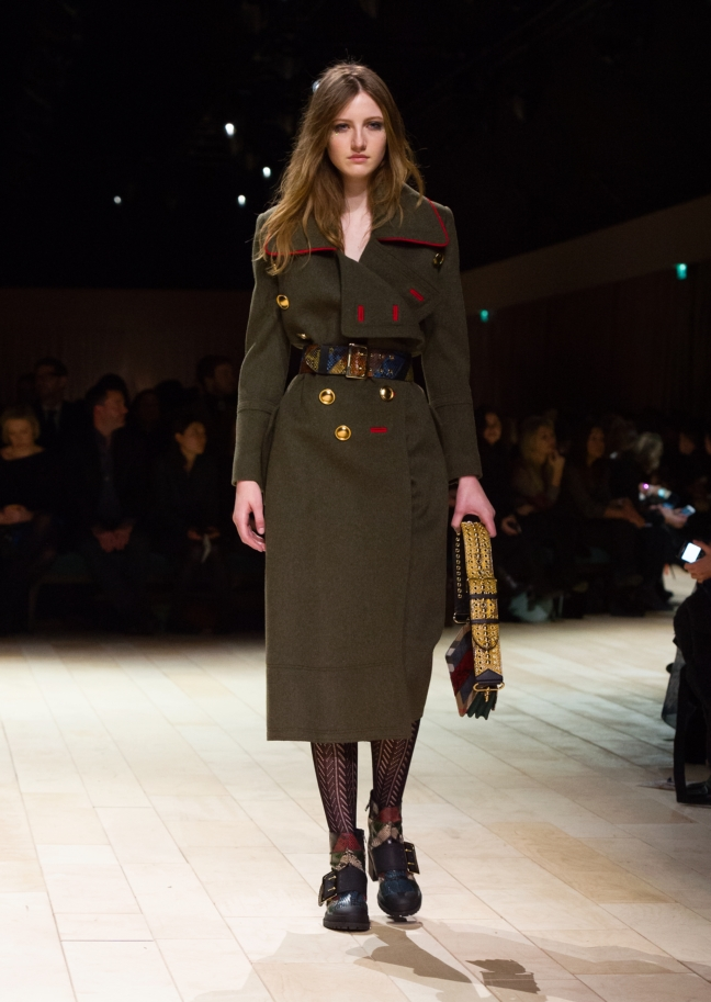 burberry-womenswear-february-2016-collection-look-45