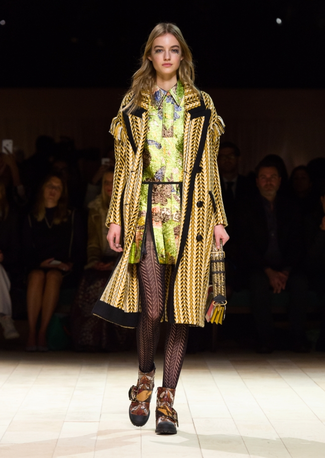 burberry-womenswear-february-2016-collection-look-51