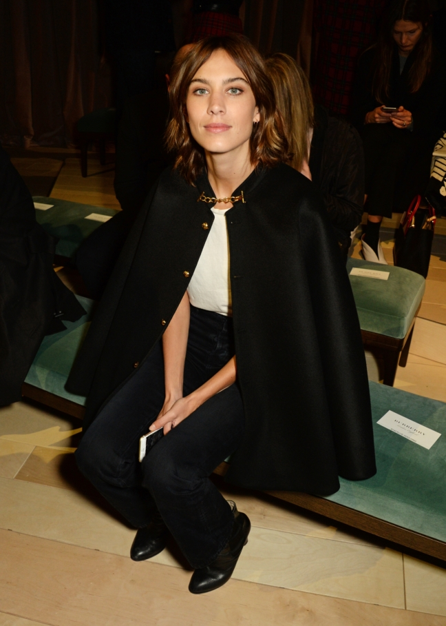 alexa-chung-wearing-burberry-at-the-burberry-womenswear-february-2016-show_002