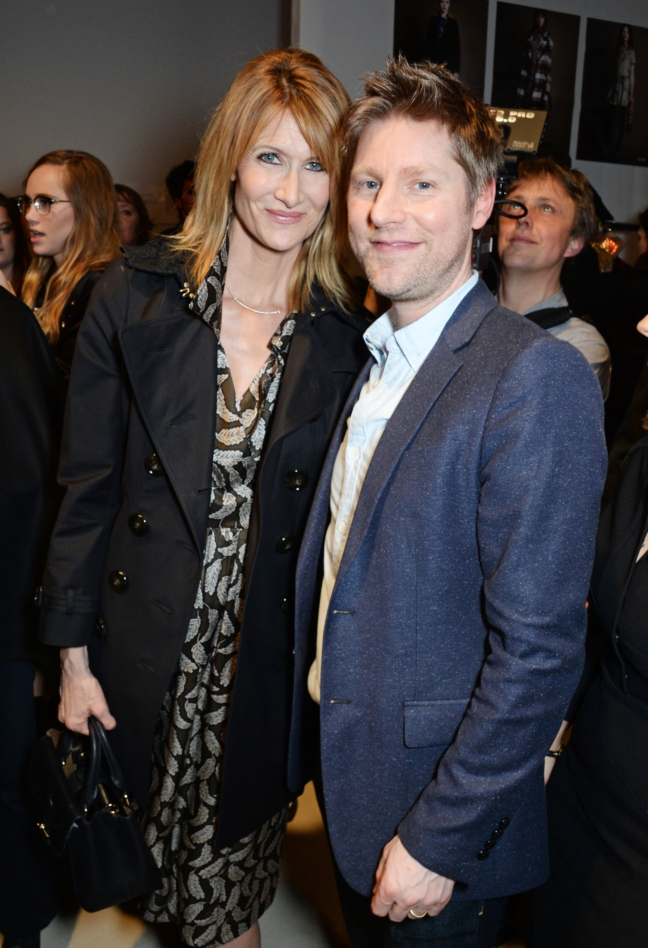 christopher-bailey-and-laura-dern-backstage-at-the-burberry-womenswear-february-2016-show