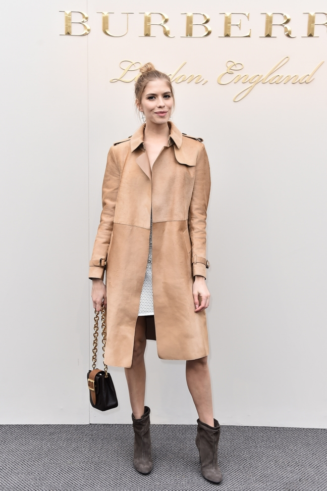 elena-perminova-wearing-burberry-at-the-burberry-womenswear-february-2016-show