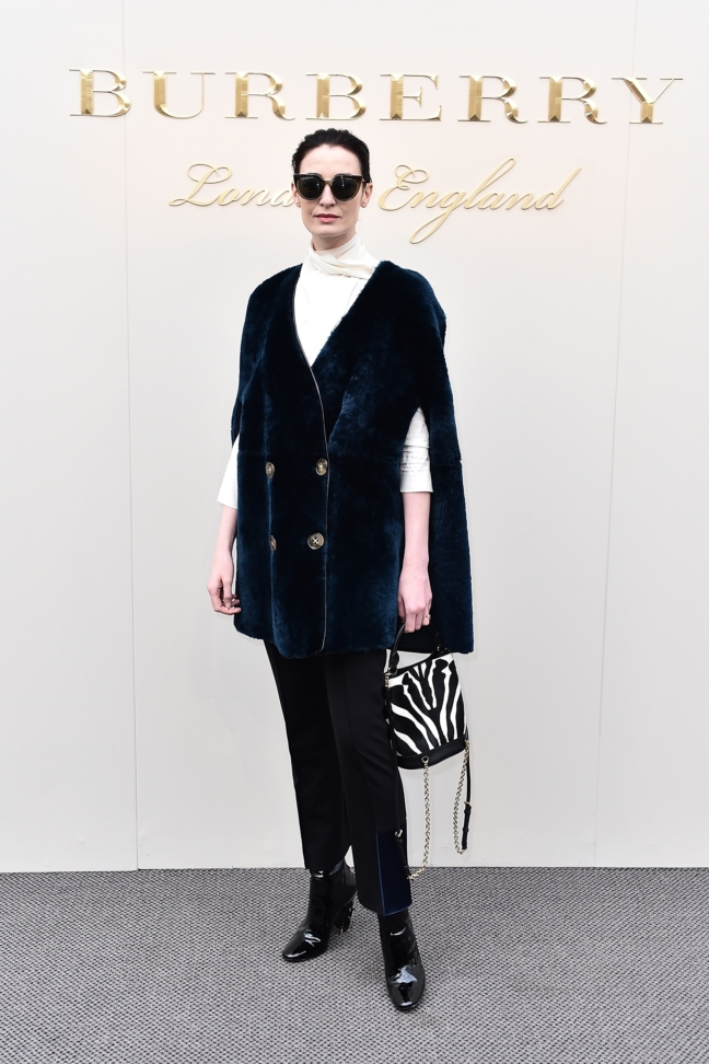 erin-oconnor-wearing-burberry-at-the-burberry-womenswear-february-2016-show