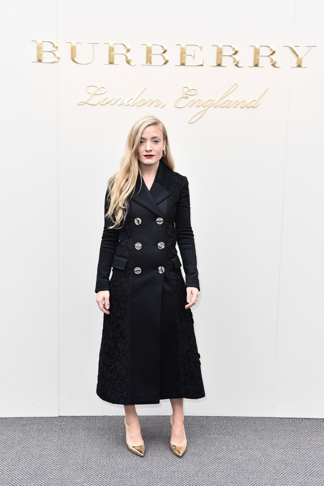 kate-foley-wearing-burberry-at-the-burberry-womenswear-february-2016-show