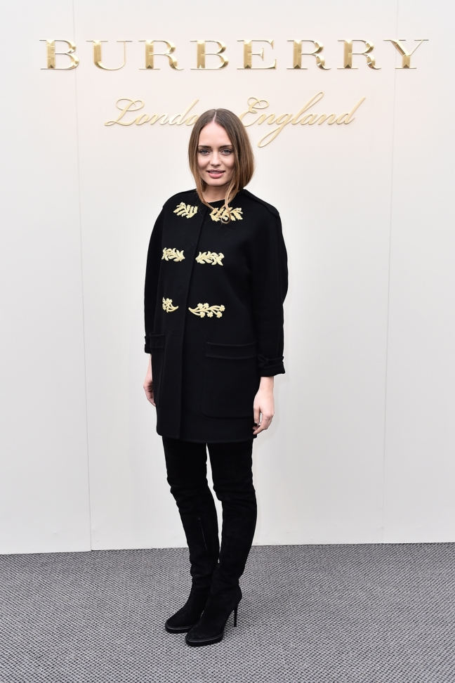 laura-haddock-wearing-burberry-at-the-burberry-womenswear-february-2016-show_001