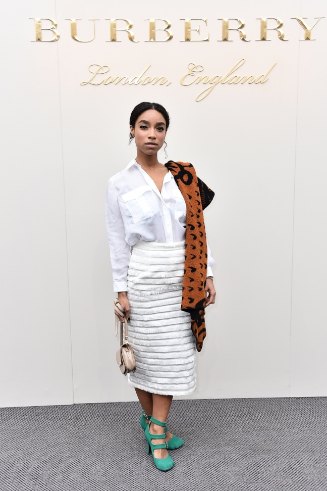 leanne-le-havas-wearing-burberry-at-the-burberry-womenswear-february-2016-show