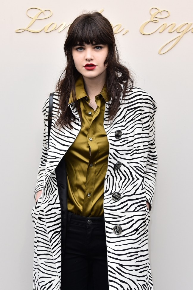 misha-hart-wearing-burberry-at-the-burberry-womenswear-february-2016-show