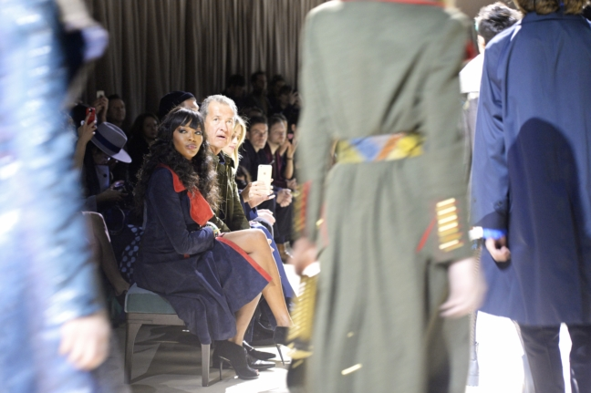 naomi-campbell-and-mario-testino-at-the-burberry-womenswear-february-2016-show