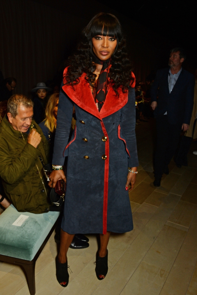 naomi-campbell-wearing-burberry-at-the-burberry-womenswear-february-2016-show_002