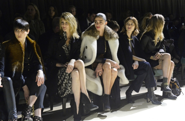 naomi-rapace-laura-dern-elisa-sednaoui-alexa-chung-and-suki-waterhouse-on-the-front-row-at-the-burberry-womenswear-february-2016-show