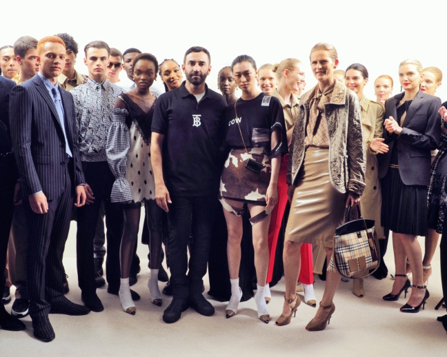 riccardo-tisci-backstage-at-the-burberry-spring_summer-2019-show-2