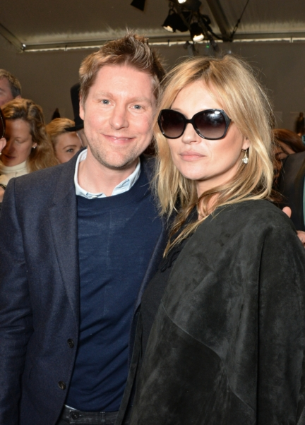 christopher-bailey-and-kate-moss-backstage-at-the-burberry-womenswear-autumn_winter-2015-show