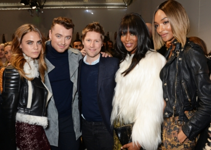 christopher-bailey-cara-delevingne-sam-smith-naomi-campbell-and-jourdan-dunn-backstage-at-the-burberry-womenswear-autumn_winter-2015-show6