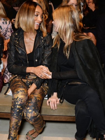 jourdan-dunn-and-kate-moss-on-the-front-row-of-the-burberry-womenswear-autumn_winter-2015-show