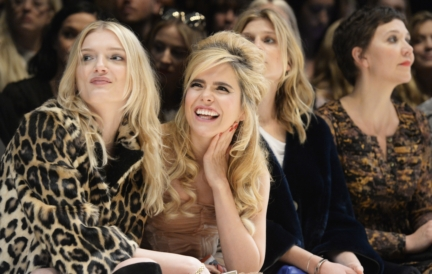 lily-donaldson-and-paloma-faith-on-the-front-row-of-the-burberry-womenswear-autumn_winter-2015-show