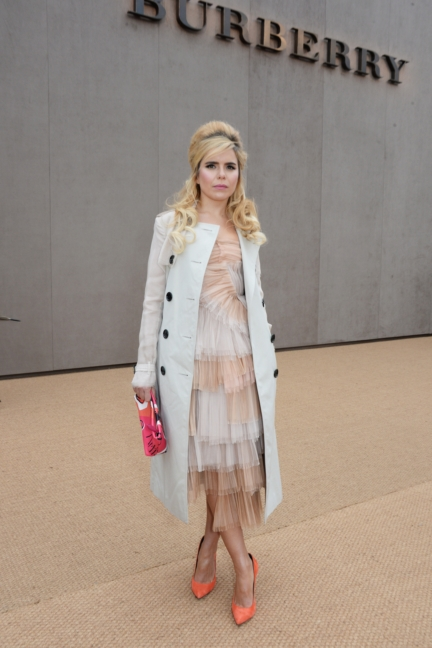 paloma-faith-wearing-burberry-at-the-burberry-womenswear-autumn_winter-2015-show