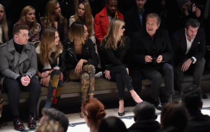 sam-smith-cara-delevingne-jourdan-dunn-kate-moss-and-mario-testino-on-the-front-row-of-the-burberry-womenswear-autumn_winter-2015-sho_001