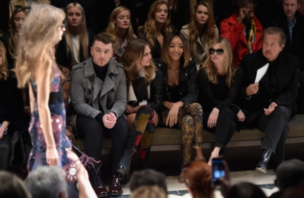 sam-smith-cara-delevingne-jourdan-dunn-kate-moss-and-mario-testino-on-the-front-row-of-the-burberry-womenswear-autumn_winter-2015-sho_002