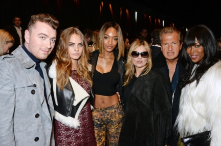 sam-smith-cara-delevingne-jourdan-dunn-kate-moss-mario-testino-and-naomi-campbell-at-the-burberry-womenswear-autumn_winter-2015-show