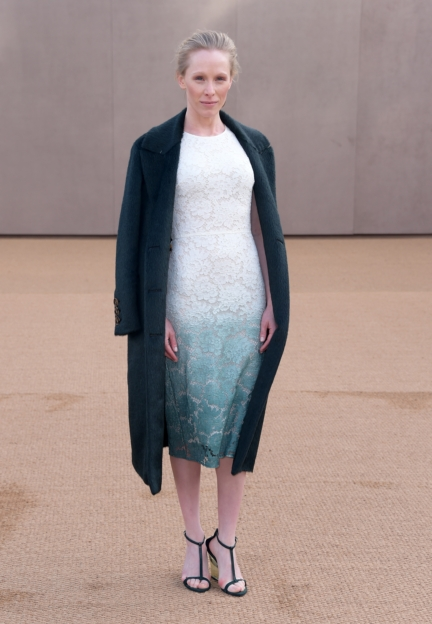 susanne-wuest-wearing-burberry-at-the-burberry-womenswear-autumn_winter-2015-show