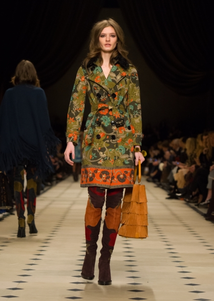 burberry-womenswear-autumn_winter-2015-collection-look-13