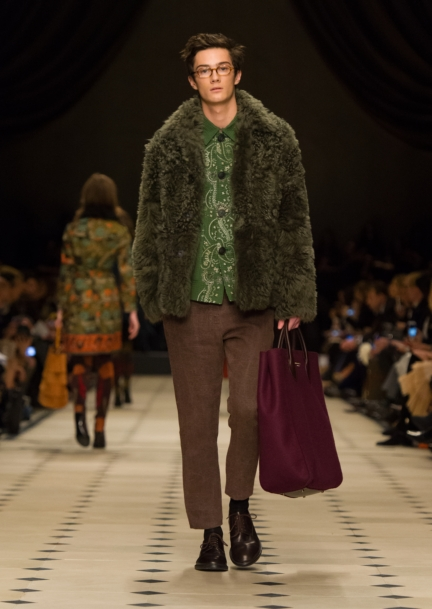 burberry-womenswear-autumn_winter-2015-collection-look-14