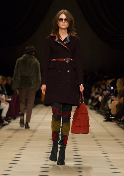 burberry-womenswear-autumn_winter-2015-collection-look-15